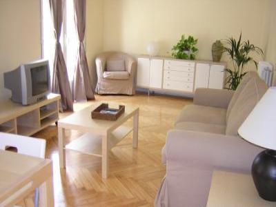 VacationsFRBO Almeria Vacation Rentals Property ID 17974 Madrid Galileo Apartment