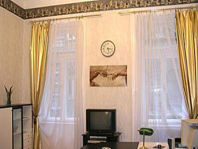 VacationsFRBO Budapest Vacation Rentals Property ID 26186 White