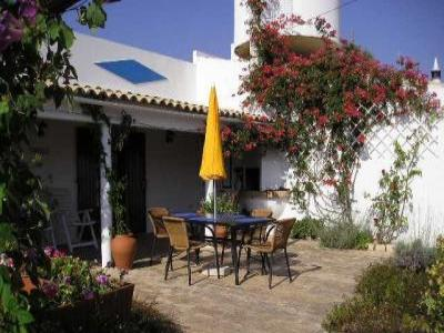 VacationsFRBO Algarve Vacation Rentals Property ID 31157 Orange Cottage