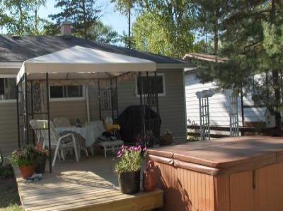 VacationsFRBO Wasaga Beach Vacation Rentals Property ID 32742 Wasaga Beach Cottage with Hot Tub