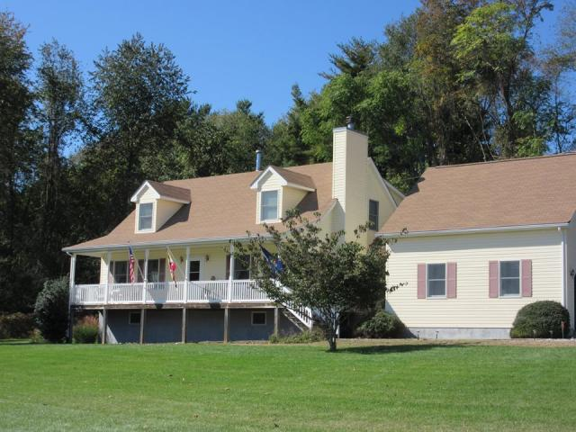 VacationsFRBO Mount Airy Vacation Rentals Property ID 34341 Above All Else @ Windsong