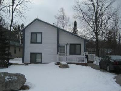 VacationsFRBO Charlevoix Vacation Rentals Property ID 37874 Charlevoix Rental