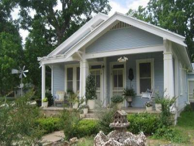VacationsFRBO Fredericksburg Vacation Rentals Property ID 38399 The Blue Bungalow on Orange Street