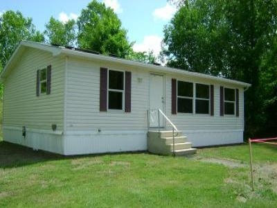 VacationsFRBO Derby Vacation Rentals Property ID 79713 Double-Wide Derby Rental